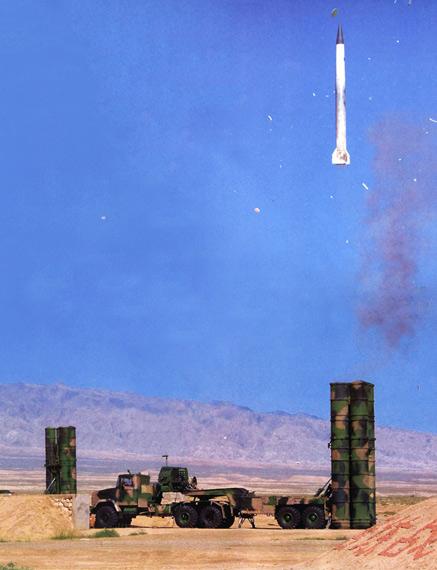 俄军代表团观摩中国现役S300PMU2防空导弹发射