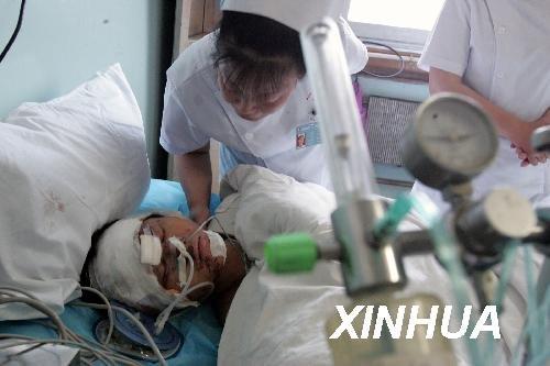 组图:安徽凤阳县爆炸事故伤者病情基本稳定