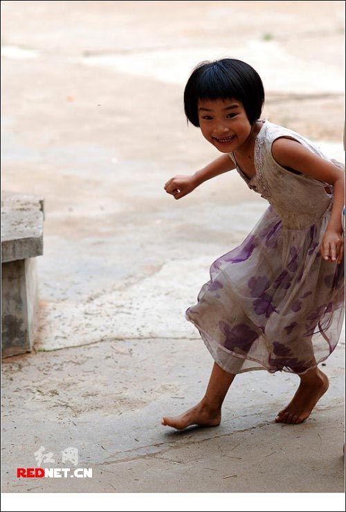 故事学校:一个女孩和她的图片体测女生800图片
