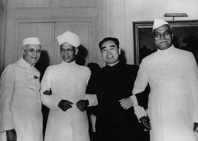 1953年:周恩来提出和平共处五项原则