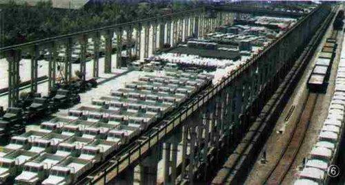 第二汽车制造厂生产的汽车高清图片