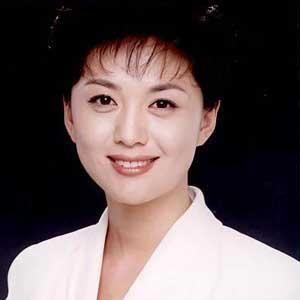 海霞,中国的新闻播音员,现在是中国中央电视台《新闻联播》的主播之一图片