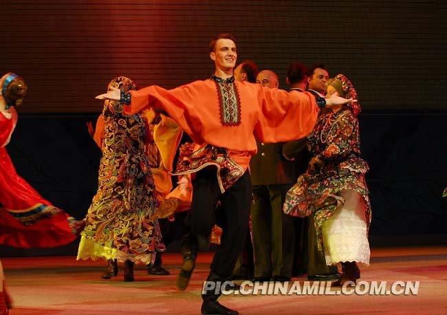 飞龙歌舞团精彩演出 小霸王歌舞团精彩演出 歌舞团地下演艺厅 武安飞