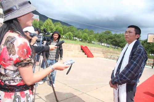 图文:腾讯公司首席行政官陈一丹接受媒体采访