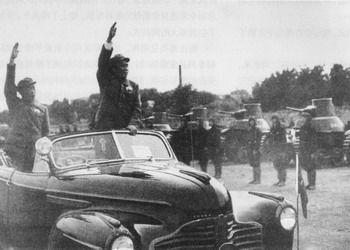共和国13次大阅兵:开国大典震撼 84年女兵亮相