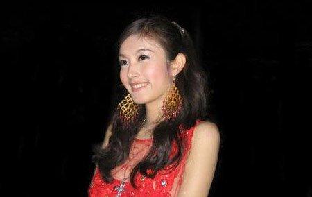 美艳泰国人妖