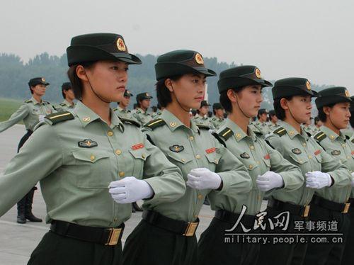 【转】参加国庆60年大阅兵的军人们 - 淡泊明志 - 游泳的鱼