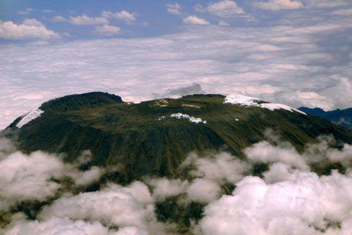组图:非洲第一高峰山顶积雪融化严重