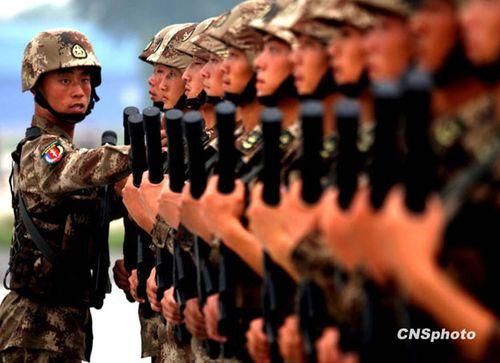 解放军特种兵方队练习队形 中新社发-宋吉河-摄-国庆阅兵参阅特种兵方