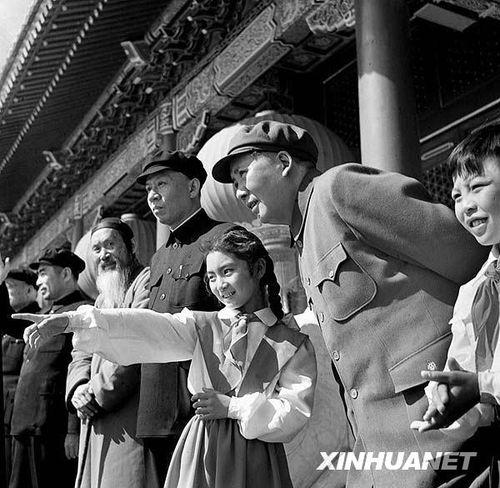 1953年国庆阅兵 人民军队正规化建设的成果展示