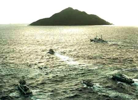 台军称三艘军舰钓鱼岛海域待命冲撞日舰_港澳