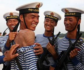 高清图:军报首次公开阅兵村三军部队训练图