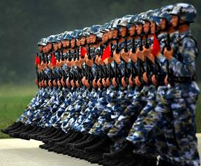 高清图:国庆大阅兵训练进入冲刺阶段