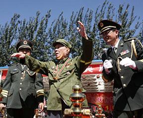 高清图:开国大典乐团总指挥罗浪重登指挥台