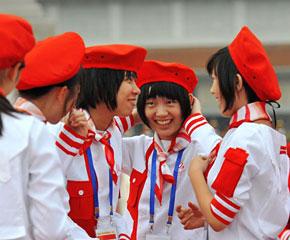 高清图:国庆排练间隙 那些灿烂与明媚的青春