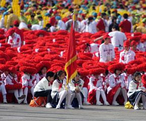 """组图:节日的天安门广场 无处不在的""""中国红"""""""
