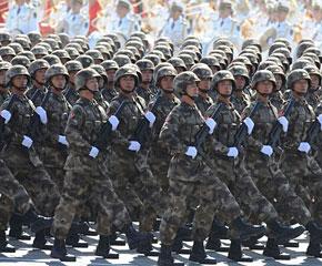 高清图:特种兵方队通过天安门广场