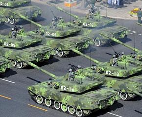 高清图:坦克第二方队接受检阅