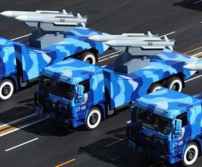 高清图:海军航空导弹方队在长安街上行进