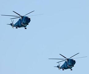 高清图:Z-8直升机从北京上空飞过