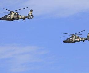 高清图:Z-9武装直升机从北京上空飞过