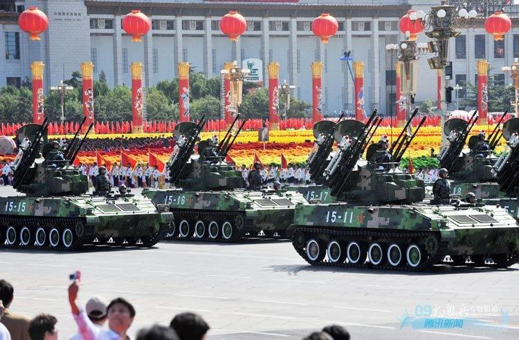 高清图:国庆60年大阅兵之装备方队图片精选 - 小熊 - 细雨欲网春