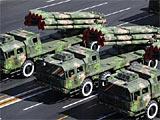 幻灯组图:远程火箭炮方队接受检阅