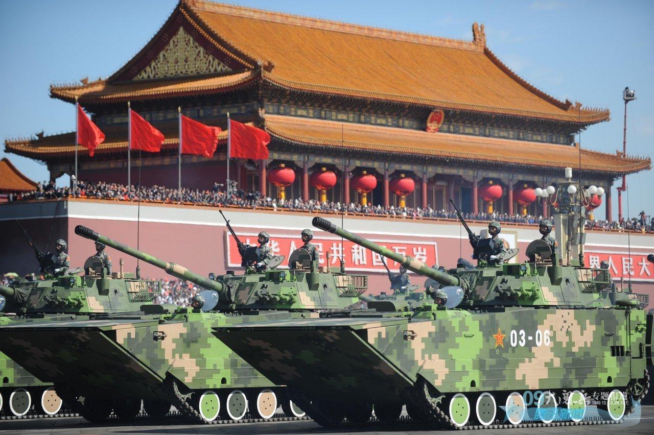 2009中国国庆大阅兵_2009年国庆大阅兵15个地面方队的装备都曾是