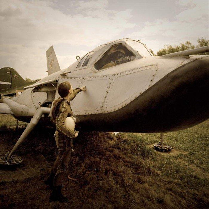 组图:俄罗斯美少女修复太空战斗机