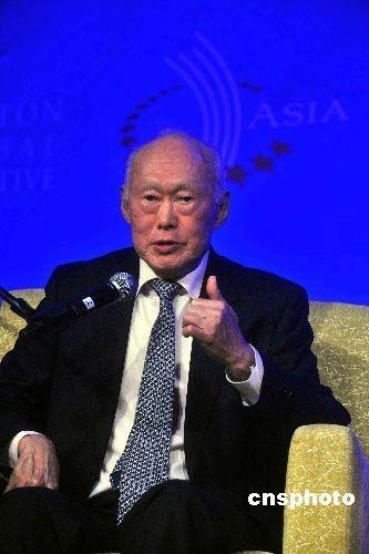 联合早报:李光耀讲话风波引发中国学者论战