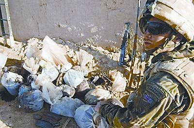 英军建议用行贿阻止阿富汗人加入塔利班