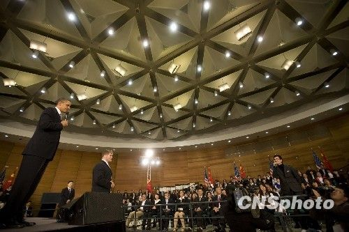 复旦大学校长透露奥巴马想学中文 赞其随和亲切