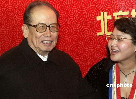 中英谈判中方团长:香港回归谈判中方未让步