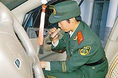 云南边防缉毒女警功夫出色连破贩毒大案(图)