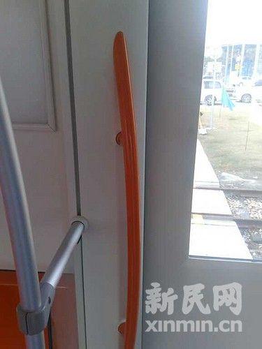 上海地铁第2000辆列车今上线调试(组图)