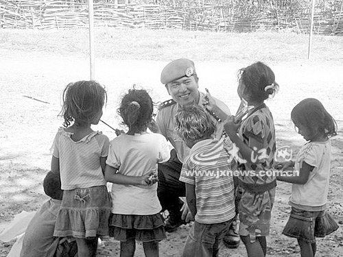 江西赴东帝汶维和警队获联合国和平勋章(图)