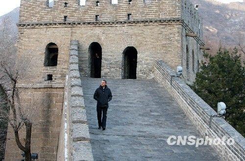 奥巴马登长城感慨时间短 称对中国行非常满意