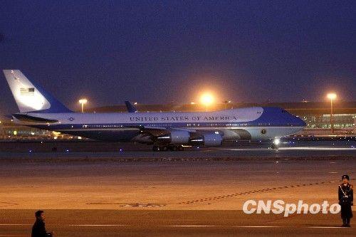 图:美国总统奥巴马乘专机离京