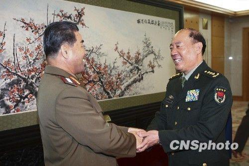 李继耐会见朝鲜国防委员会委员金正阁大将一行
