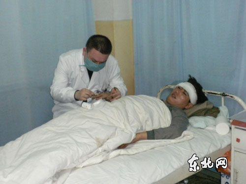 组图:鹤岗新兴煤矿受伤矿工正住院治疗
