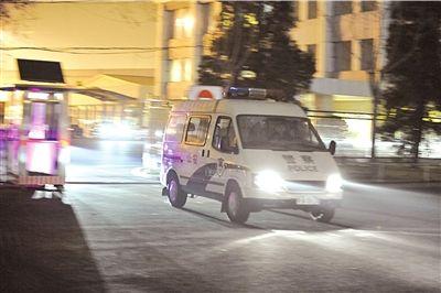 北京杀6名亲人案嫌犯被押解途中有说有笑(图)