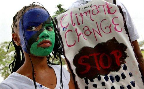 世界各地环保人士助威气候大会