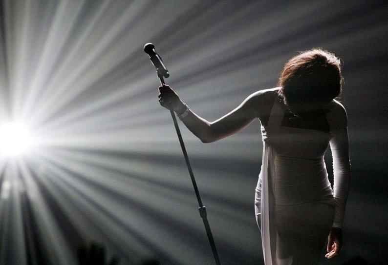 09年度路透社精彩图片欣赏选(选自腾讯网) - 蓝色天空 - 牧笛的孔眼