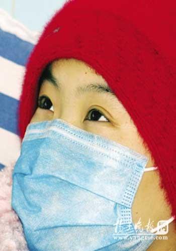 农家收养弃婴卖房供其读书 养女辞职救重症妹