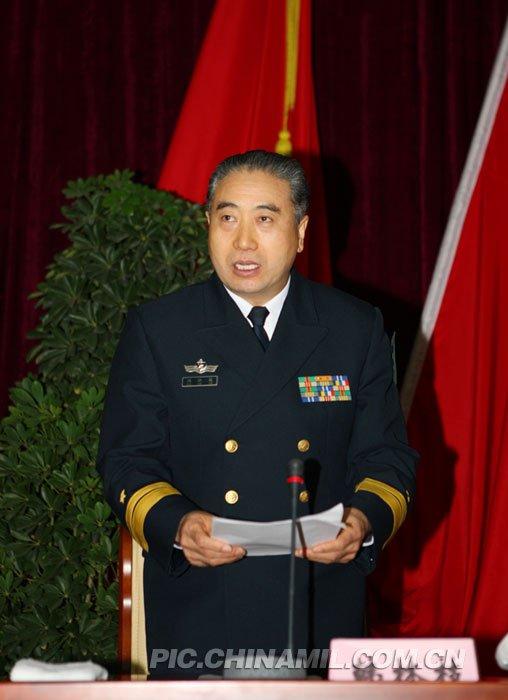 高清图:广州军区授予首批一二级军士长军衔_新