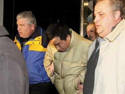 致美机场混乱中国学生被释放 美议员称处罚太轻