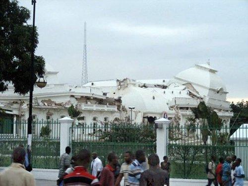 海地余震不断多国人员失踪 国际社会加紧救援