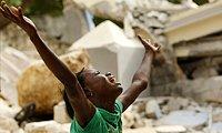 海地灾区特写 震・痛