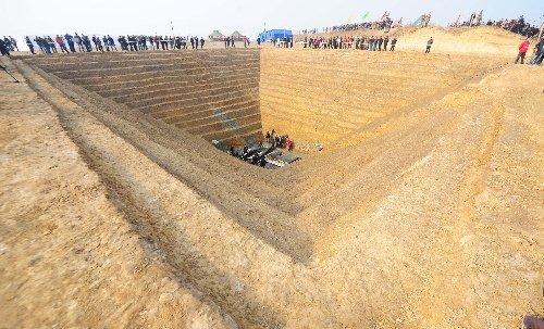 湖北战国古墓群出土国内首驾楚国战车(组图)