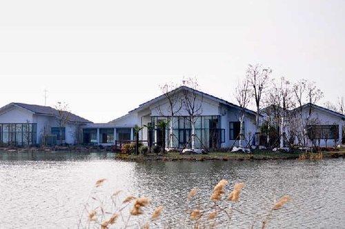 江苏一开发区建豪华会所 官员称为招待领导